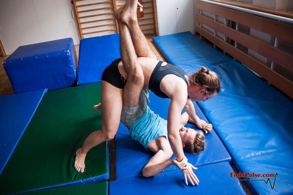 Artemis vs david competitive mixed wrestling 2
