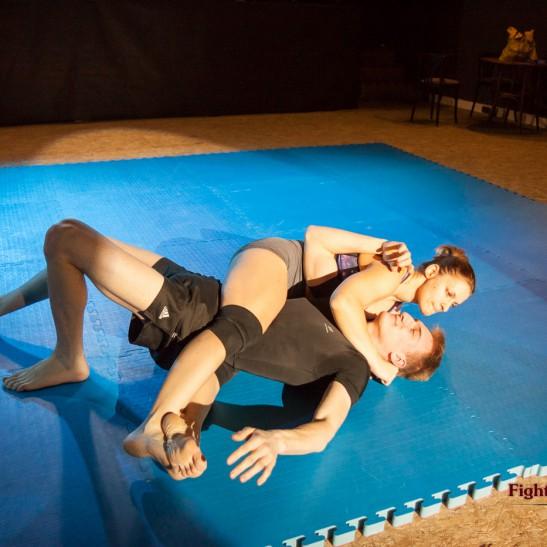 FightPulse-MX-25-Viktoria-vs-Ryan-competitive-mixed-wrestling-9682