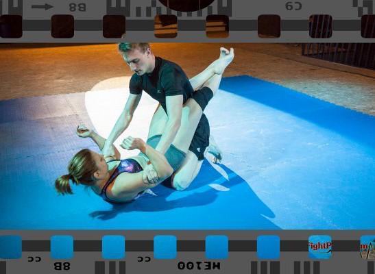 FightPulse-MX-25-Viktoria-vs-Ryan-competitive-mixed-wrestling-9692