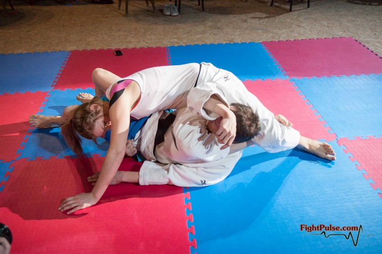 triangle-choke - pin