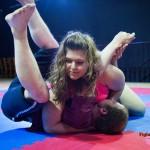 Lucrecia vs Diego - mixed wrestling
