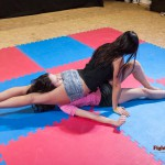 Jane clamps on tight reverse headscissors