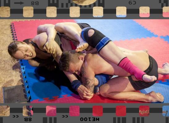 FightPulse-MX-64-Anika-vs-Marek-and-Andreas-3670