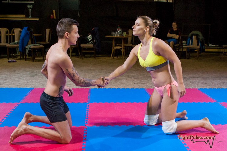 FightPulse-MX-76-Viktoria-vs-Andreas-001