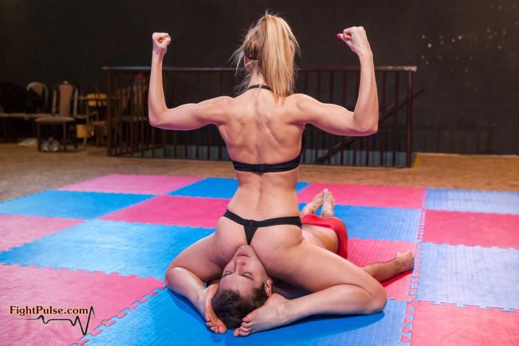 FightPulse-NC-117-Paola-vs-Steve-escape-challenge-049