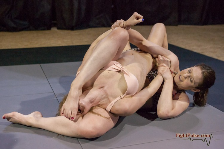FightPulse-FW-96-Jade-vs-Paola-domination-rules-060-seq
