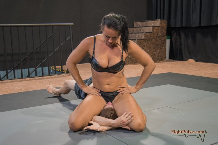 FightPulse-MX-125-Tia-vs-Peter-selection-01