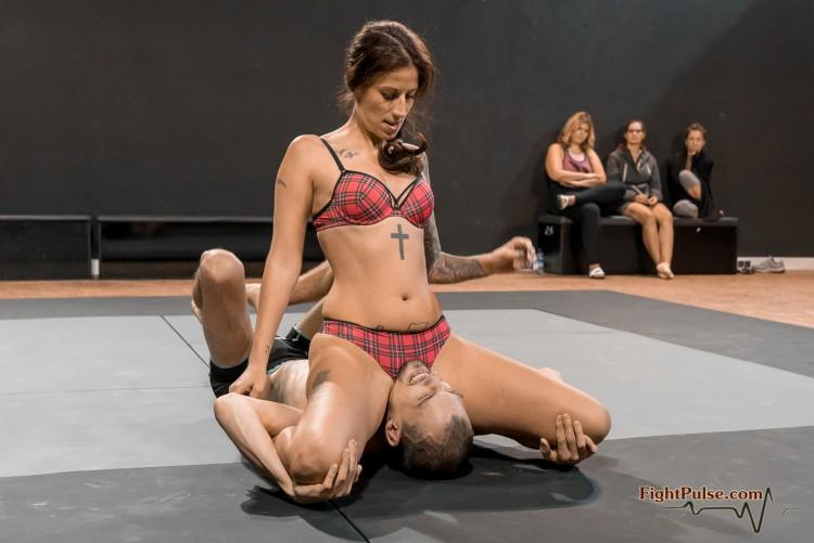 FightPulse-NC-142-Ali-vs-Frank-020-seq