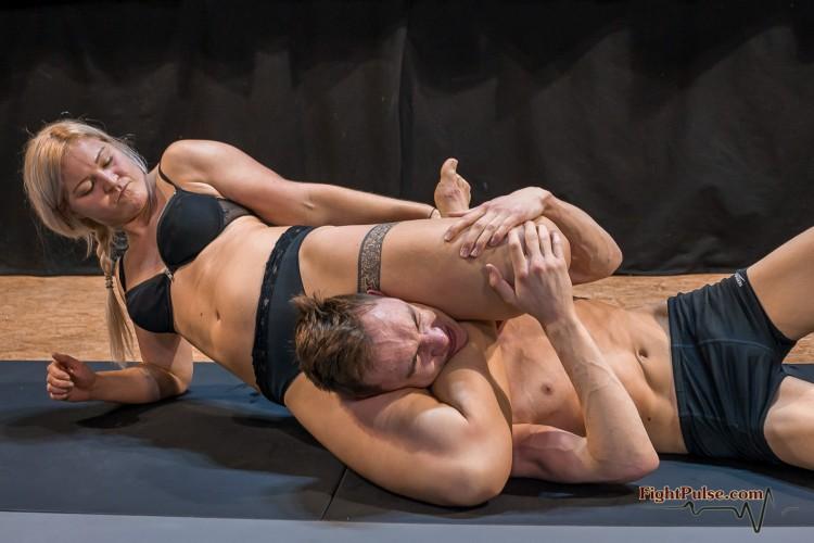 FightPulse-NC-165-Scarlett-vs-Viktor-010-seq