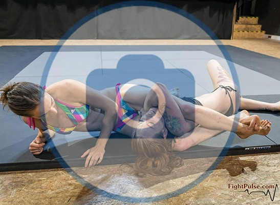 FightPulse-FW-130-Foxy-vs-Roxy-photos