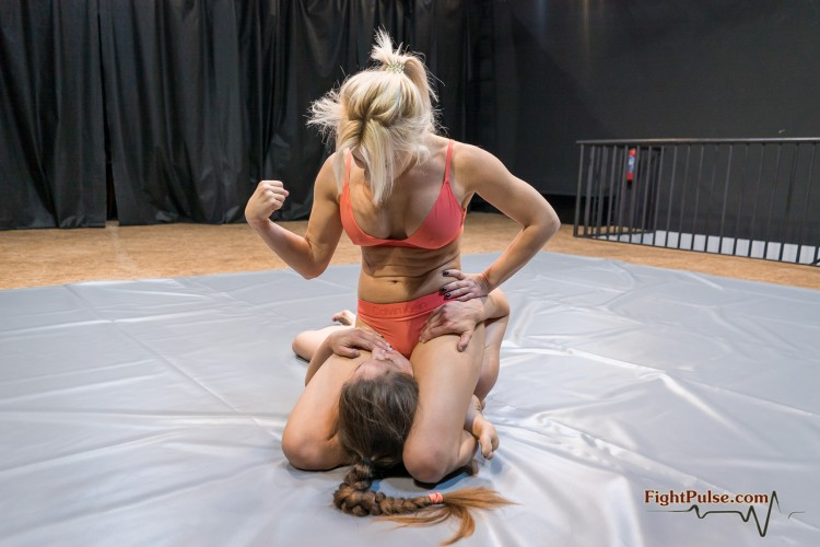 FightPulse-FW-138-Pamela-vs-Laila-050-seq