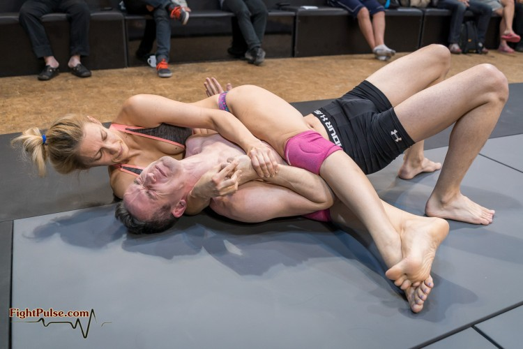FightPulse-MX-192-Viktoria-vs-Luke-077