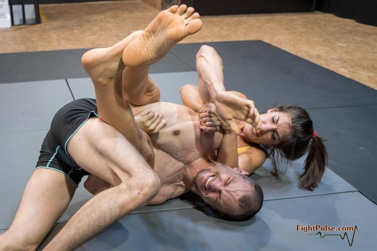 FightPulse-MX-199-Bianca-vs-Frank-II-200