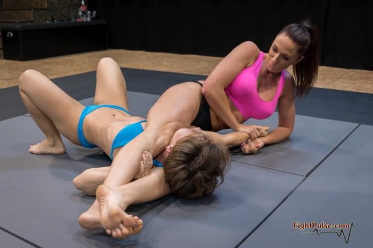 FightPulse-FW-157-Sasha-vs-Suzanne-119