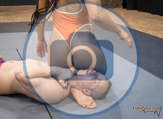 FightPulse-MX-213-Black-Venus-vs-Michael-photos